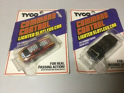 Tyco command control lighted slotless car lot of 2 on card READ