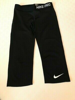 NIKE PRO 3/4 black leggings for girls 10-12 years of age, in excellent condition