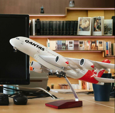 Qantas Airbus A380 with  LED & Wheels Large Plane Model Boeing 1:160 45cm