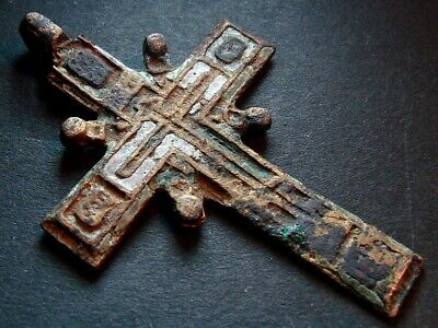 ANCIENT BRONZE ENAMEL CROSS. RELIGIOUS ARTIFACT 18-19 CENTURY. 53 mm. (R.031)