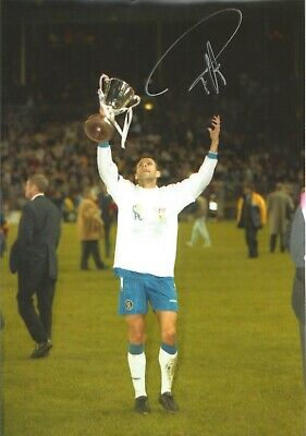 Gus Poyet Chelsea Authentic Hand Signed 12 x 8 inch football photo SS068