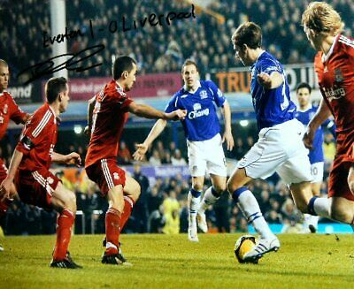 Dan Gosling Everton Authentic Hand Signed 16 x 12 inch football photo SS109