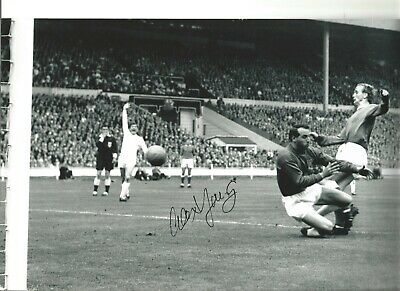 Alex Young Everton Authentic Hand Signed 12 x 8 inch football photo SS181