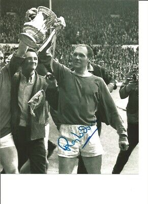 Ray Wilson 66 Everton Authentic Hand Signed 10 x 8 inch football photo SS219