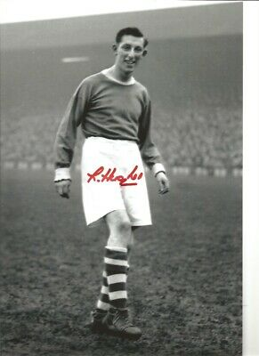 Lawrie Hughes Liverpool Authentic Hand Signed 12 x 8 inch football photo SS332
