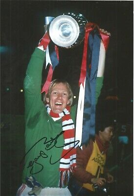 Gary Bailey Man United Authentic Hand Signed 10 x 8 inch football photo SS467