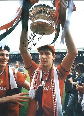 Norman Whiteside Man United Authentic Hand Signed 16 x 12 football photo SS482