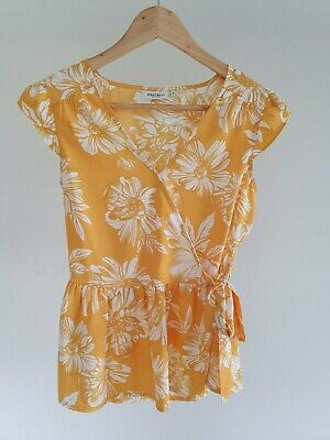Jeans West Womens Size 6 Casual Yellow Floral Print Frill Hem Cap Sleeve Top EUC