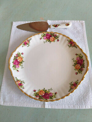 Royal Albert   'Old Country Roses'  Cake/Bread & Butter  Plate  With  Cake Slice