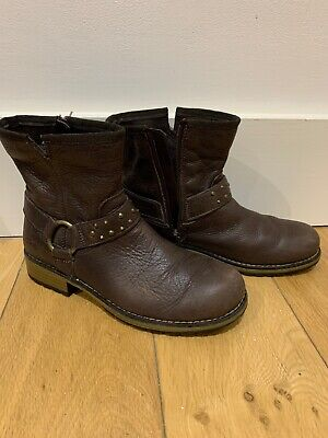 Girl's Clarks Brown Leather Boots.  Uk Size  13F.  Brown.  Zip On Side.  Vgc.