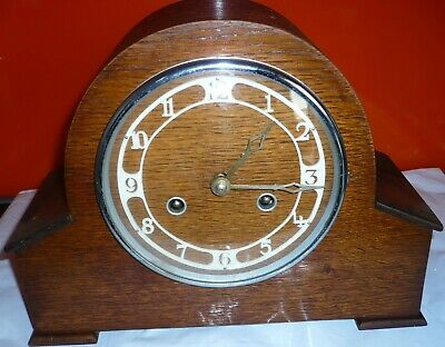Vintage Art Deco  Wooden Mantle Clock, Chimming, Working.