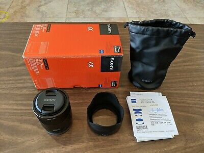 Sony ZEISS SEL55F18Z Sonnar T FE 55mm f/1.8 ZA Lens - Black excellent condition