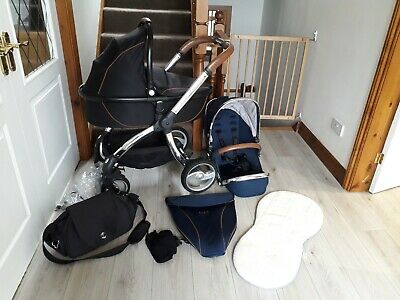 Egg Travel System with accessories