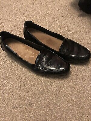 Clarks Size 9 Patent Leather Loafers Flats Black Smart