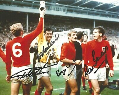 Hand Signed 10x8 GORDON BANKS HURST PETERS HUNT England 1966 World Cup + my COA