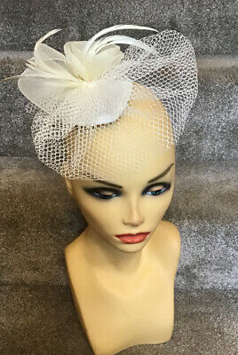Small Cream Fascinator Ideal For Races, Wedding, Etc Pre-owned