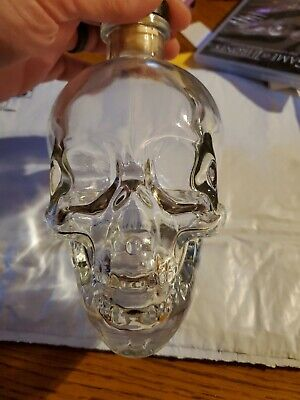 CRYSTAL HEAD VODKA SKULL 750ml Bottle HALLOWEEN Dan Akroyd LIQUOR DECANTER EMPTY