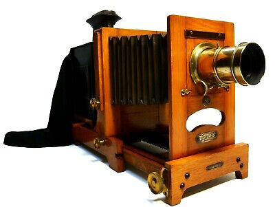 Antique 'magic lantern' horizontal enlarger, William Butcher, London, 1913