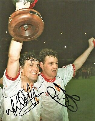 Mark Hughes Steve Bruce Man United Authentic Hand Signed football photo SS496