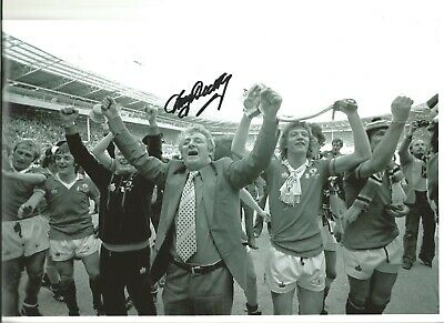 Tommy Docherty Man United Authentic Hand Signed 12 x 8 inch football photo SS510