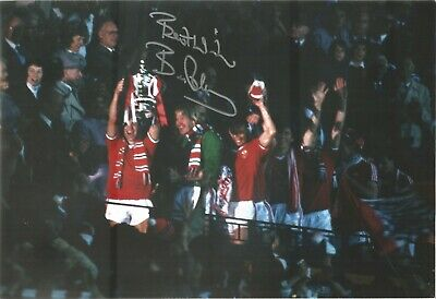 Bryan Robson Man United Authentic Hand Signed football photo SS534F