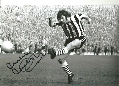 Malcolm Macdonald Newcastle Authentic Hand Signed football photo SS561d