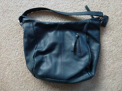 Pia Soft Leather Shoulder bag / Handbag with Full Zip Fastening in Blue