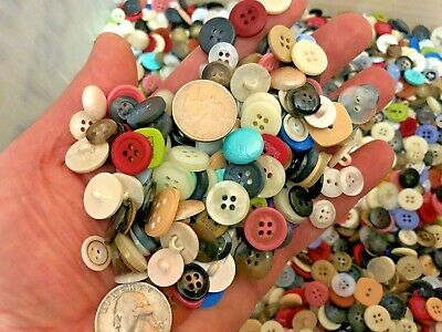 New lots of 100 Buttons assorted mixed color and sizes bulk 1/4 inch to 3/4 in.