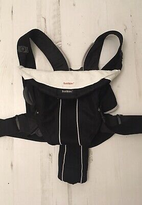 Lovely BabyBjorn Baby Carrier Active Black mesh with two BabyBjorn Bibs