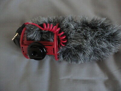 Rode VideoMic GO On-Camera Microphone with Rode Cat Go Windshield.CJ046812