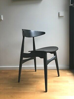 vintage Hans J. Wegner Stuhl by Carl Hansen & Son, danish design Denmark chair