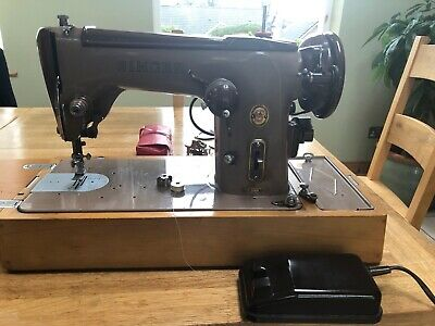 Vintage Singer Electric Sewing Machine Model No: 306K With Attachments & Books