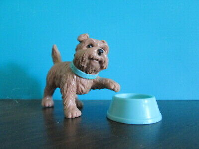 A4419 Dollhouse Miniature Sniffing Golden Lab Dog