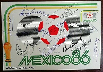 Mexico 86 postal card Autographed By All The 1966 Winning Team.