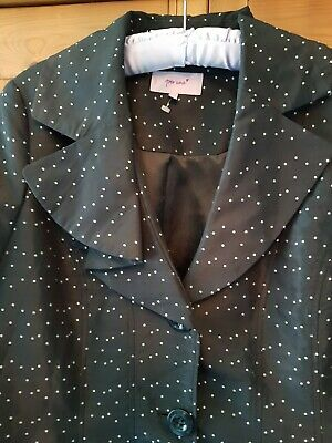 """PER UNA @ MARKS AND SPENCER BLACK AND WHITE SPOTTY MAC COAT SIZE 18 46"""" chest."""