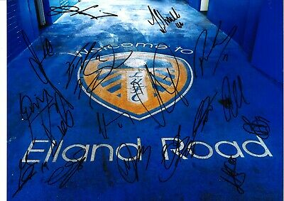 Leeds multi Leeds United Authentic Hand Signed 10 x 8 inch football photo SS741a