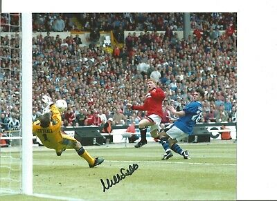 Neville Southall Everton Cup Authentic Hand Signed 10 x 8 football photo JM086