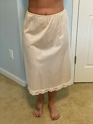 Vtg Wise Buys Maidenform Antron Beige Half Slip with lace Size M ILGWU