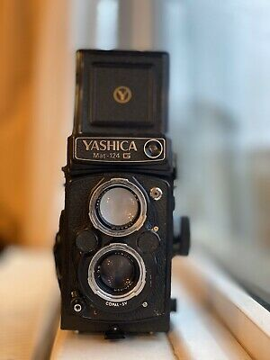 Yashica Mat 124 G twin lens film camera Great Condition