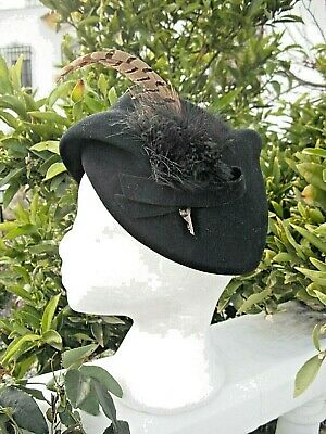 VINTAGE AND CLASSIC   Peter Bettley Hat ..Navy with Feathered Details.Very Smart