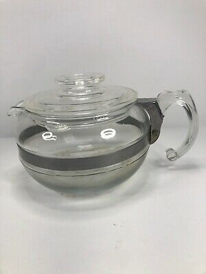 Pyrex Flameware 6 Cup Tea Pot 8446-B With Lid & Handle - Vintage Globe Canister