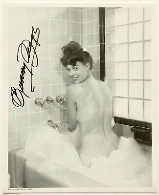 NOS Hand Signed Bunny Yeager Risque Self Portrait Bubble Bath Pin-Up Lithograph