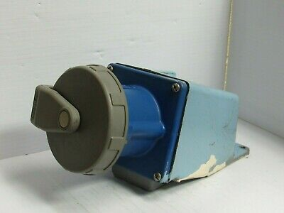 Hubbell Watertight Receptacle 360R6W 60A 60 Amp A 250Vac W/ Base - Used