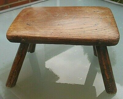 Lovely Antique Georgian Wooden Oak Childs Stool / Milking Stool With Peg Joints