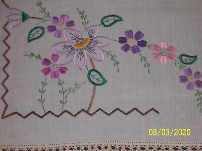 Gorgeous Vintage Hand Embroidered Pretty Flowers Crochet Edges Supper Tablecloth