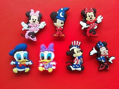 7 Mickey Mouse Minnie Donald Daisy Duck jibbitz crocs shoe charms cake toppers