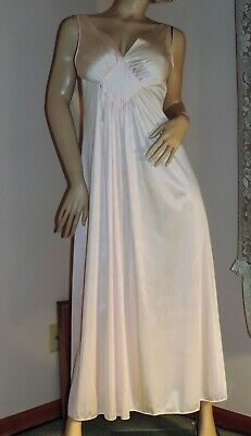 Vintage Vanity Fair Nightgown Negligee  Excellent Condition  Light Pink  Sz S/M