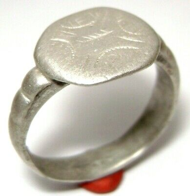 Ancient Rare Medieval silver finger ring with Arrow on bezel.