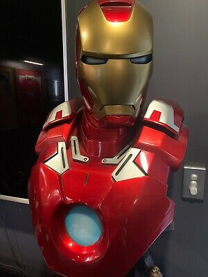 sideshow collectibles Iron Man