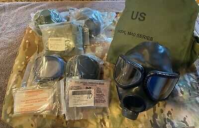 ***M40 NBC Gas Mask (M), Carrier, 40mm Filters, Outsert Lenses and Much More***